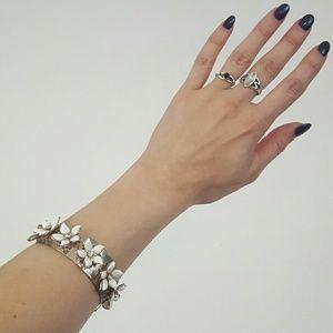 50s vintage flower gold tone bangle bracelet