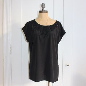 MATTY M WOVEN BLACK TOP WITH LEATHER TRIM
