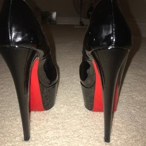Authentic Christian louboutin all black heels