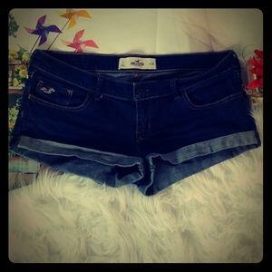 Hollister jean shorts size 28