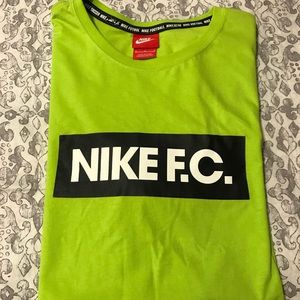 Nike Men's Tshirt