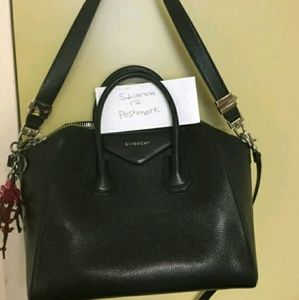 AUTHENTIC Givenchy Antigona Black Medium