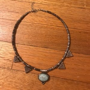 loose choker type of necklace