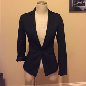 Black fitted blazer with black inner lining