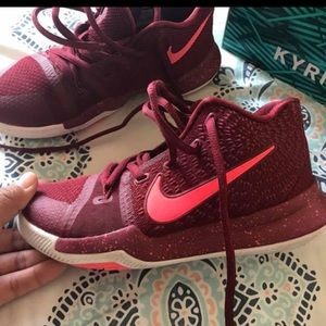 EUS KYRIE❤️💜❤️ every kid wants this shoe 😘