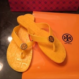 Tory burch jelly thong flip flop/size 6