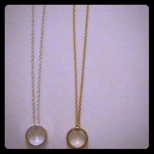 2 Delicate Necklace 1 gold 1 silver