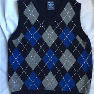 IZOD 👨💼boys sweater vest 👔