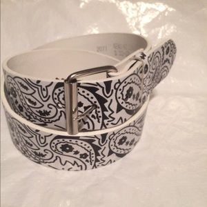 Accessories - Brand New white bandanna style leather belt