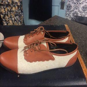 Saddle Shoes Tan White Vintage Retro Pinup Flats