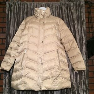 Kennith cole puffer coat