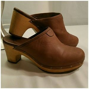 Ugg leather clogs. Size 6