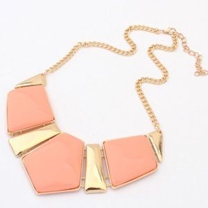 Trendy Coral/gold tone statement necklace 💗