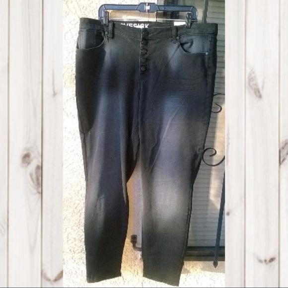 77f04eebf3c Lovesick Plus Size 20W Women s Distressed Jeans