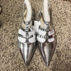 Zara pointy flats in silvers size 8 or 39eur, new