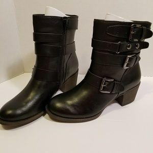 NEW Ruff Hewn black boots