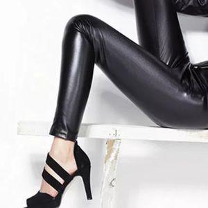 Pants - 🔥🆕Just In! 🖤Black Faux Leather Leggings