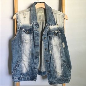 ✨SALE✨SPECIAL A Distressed Denim Jean Vest