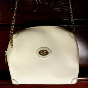 White Gucci Crossbody Shoulder bag w/ CHAIN