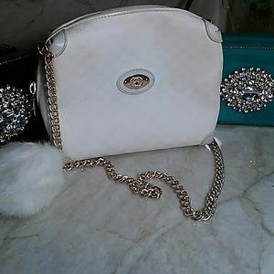 White Gucci Crossbody Shoulder bag w/ CHAIN