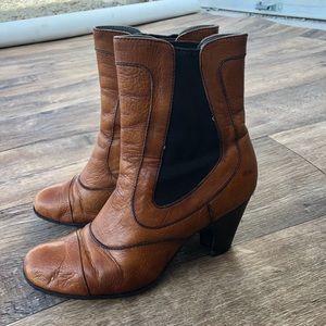 [Born] Brown Booties