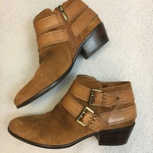 Sam Edelman Pippen buckle brown ankle booties