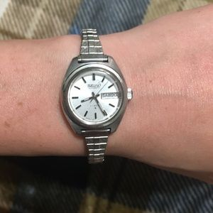 OLD OLD OLD VINTAGE SEIKO WOMENS WATCH