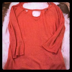 Blouse with cutouts with gold thread in peach pink