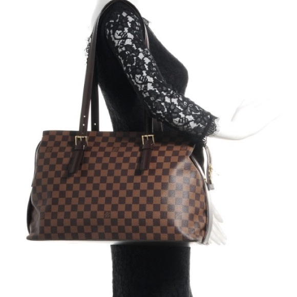 d0229fb46e05 Louis Vuitton Handbags - BDAY SALE🎉AUTH Louis Vuitton Damier Chelsea Tote