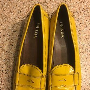 Prada loafers 💯 authentic EU 40