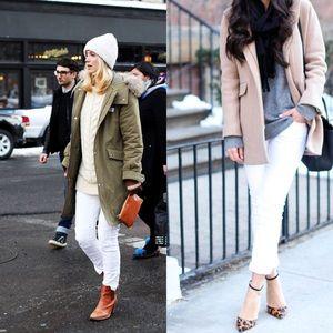 Banana Republic White Skinny jeans size 26