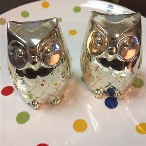 Silver salt and pepper shaker from Japan.