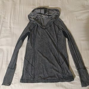 Lululemon 🍋 waterbound hoodie UPF 50 size 8