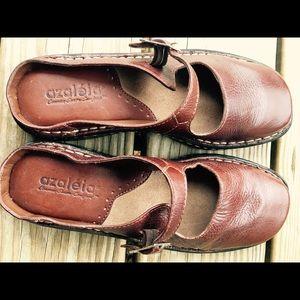 Women's Azaleia Common Sense Comfort shoes