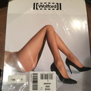 Wolford Naked 8 Caramel Color Large Stockings NEW