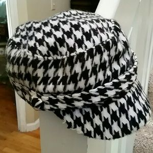 Houndstooth Page Boy Hat