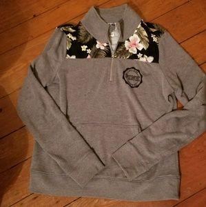 VS half zip sweatshirt