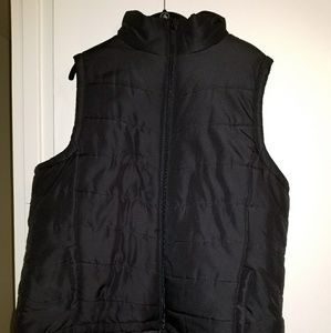 Black puffer vest xxl excellent condition