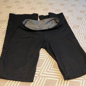 Lululemon size 6 yoga flare reversible pant