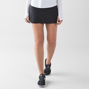 Lululemon classic black skirt with white trim 🍋🍋