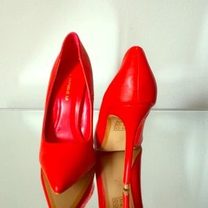 Hot red pumps 👠
