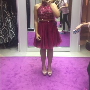 Cranberry Sheri hill dress size 6. 2 piece