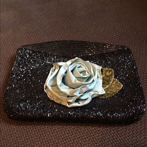 Beaded vintage clutch with flower appliqué