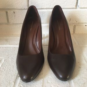 Banana Republic Brown Heels Size 7