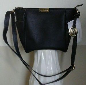 Liz Claiborne Lola Crossbody purse