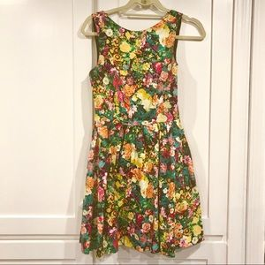 Zara floral mini dress with pockets
