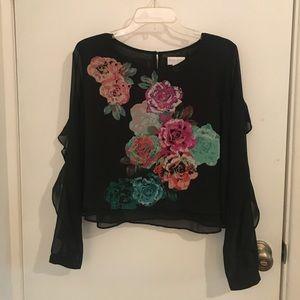 Medium Bisou Bisou Black Floral Blouse