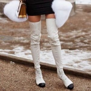 CHANEL BOOTS over the knee. Authentic!