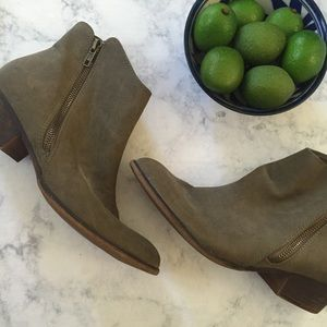 Urban Outfitters BDG Duran Zipper Booties Taupe 8