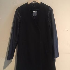 NWT Theory Wool removable leather sleeves Coat